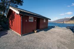 Cabin No.8